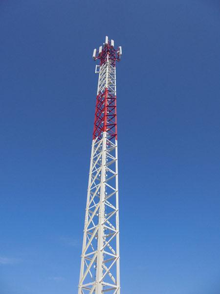 Tetragonal antenna mast